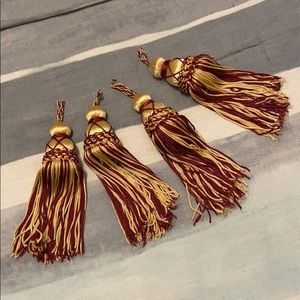 Other - Maroon & Gold Tassels
